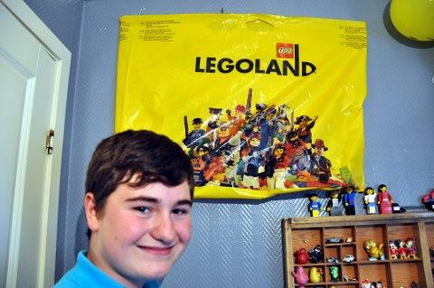 Da Benn Ole Besøkte Legoland ved Billund i Danmark sikret han seg en del ting som han ellers ikke får tak i Norge, som et handlenett