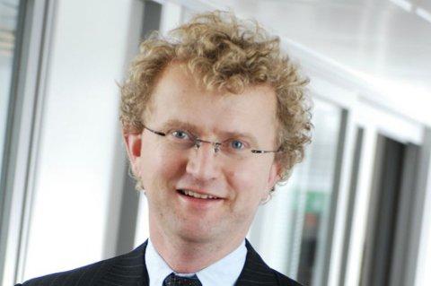 Jan Ludvig Andreassen mener bruktboligprisene i Norge er alt for lave og at det er rentekutt som er riktig medisin for å få de høyere. ( Terra )