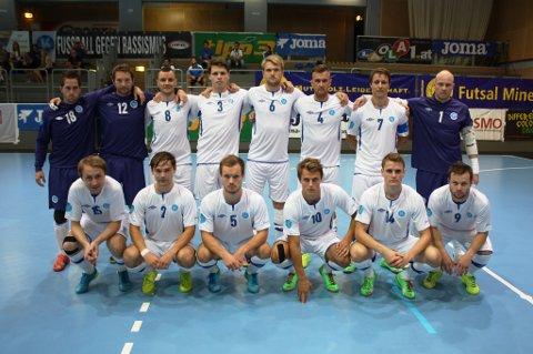 EUROPA NESTE: For Vegakameratene er Ueafa Futsal Cup neste på agendaen. Nederst til venstre er Stian Johnsen og Martin Kristoffersen fra Narvik.