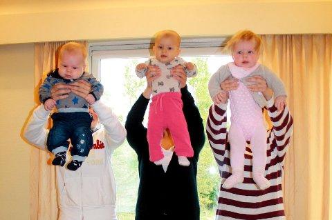 Eirik Buer, Erle Sætre og Thea Wersland koser seg sammen på babytrallen hver torsdag