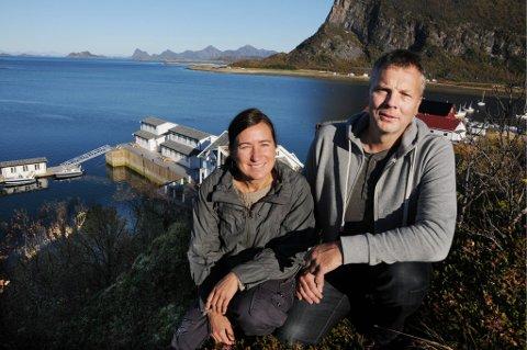 Paradis. Ekteparet Marit Sjøvoll og John Åge Handberg fant sitt paradis halvannen times båtreise nord for Bodø. De har omskapt Nordskot Brygge i Steigen til et praktanlegg.