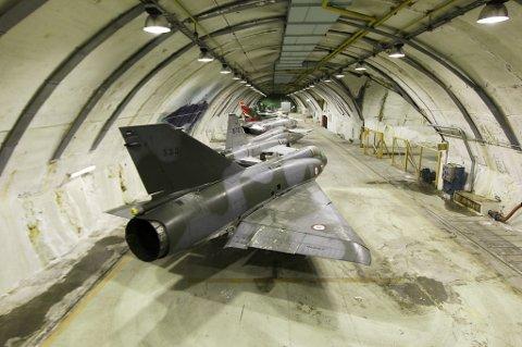 Denne hangeren går under kallenavnet Anlegg 96 og kan bli et museum i verdensklasse om den kalde krigen, hvis Norsk Luftfartsmuseum får det som de vil.