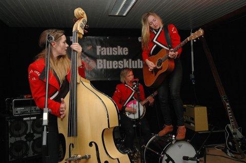 Trioen Stella, Greta og Sunniva Bondesson klarer seg godt som trio