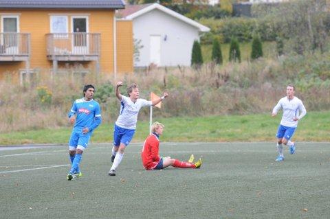 Jubelgutt: Martin Buodd scoret to mål da Larvik Turn slo Drammen 3-2 på hjemmebane i sesongens siste kamp på lørdag. Dermed avsluttet lovisenlundlaget med seier i en sesong som har vært meget sterk.