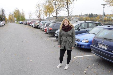 600f33fb Ung trafikant: Ingrid Kalfoss (18) er godt i gang med kjøreopplæringen.  Planen