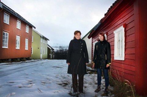 Irene Endresen og Gro Agnethe Stokke fra Tromsø kommune gleder seg til julemarkedet på Hella.