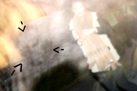 SPØKELSE?: Er det et spøkelse Sophie Elise har merket av i bildet? Avgjør sjøl.