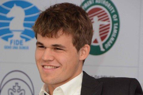 Magnus Carlsen fikk ikke bare med seg VM-tittelen i sjakk etter fredagens seier over Vishy Anand. Han stakk også av med ni millioner kroner.
