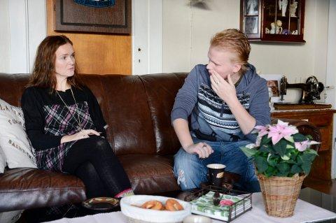 «En mors kamp mot virkeligheten» handler om mamma Elise Linnea Eberson og sønnen Christians liv som følge av hans misbruk av narkotika og kriminalitet.
