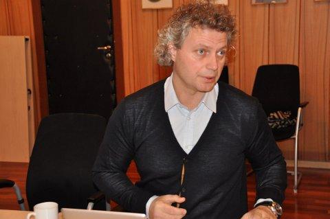 Rådmann Tommy Stensvik har lagt mye arbeid i forslag til ny organisasjonsstruktur for Vågan. Nå er han i gang med å rydde etter bråk med fagforeningene.Foto: John-Arne  Storhaug