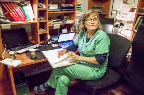 Fysioterapeut Marianne Frydenlund er derimot svært skeptisk, og advarer folk mot å kjøpe plastrene.