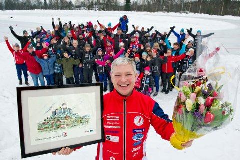 SAMLET: I går var store deler av klubben samlet på Holt stadion da prisen ble delt ut til Eivind Røvde Solberg.