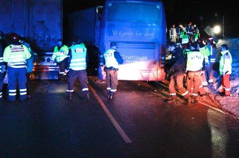 Svært glatt: Vitner og politiet har opplyst at det var svært glatt på ulykkesstedet.