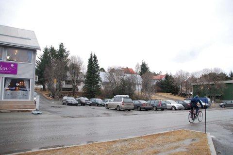 Selskapet Storgata 9 AS skal bygge en ny forretningsgård midt i Leknes sentrum.