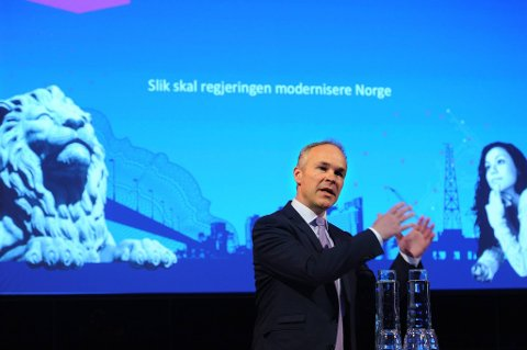 Kommunene må tenke langsiktig og forstå hvilke utfordringer de står overfor de neste tiårene, sier kommunal- og moderniseringsminister Jan Tore Sanner (H) etter at Bjugn kommune sa nei til sammenslåing med nabokommunen Ørland mandag.