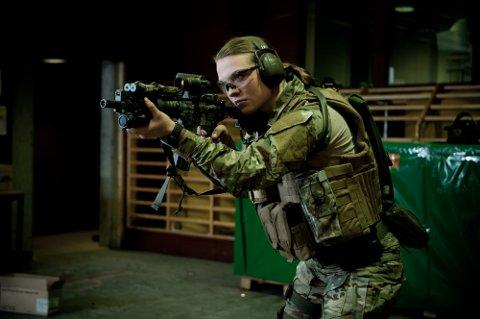 Den nye kvinnelige jegertroppen skal utdanne kvinnelige spesialsoldater til operativ tjeneste ved Forsvarets spesialkommando eller andre avdelinger i Forsvaret.