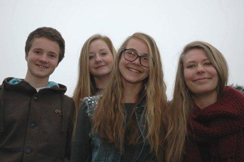 HÅPER PÅ FINALE: Ole Henrik Østereng Nes (15), Nora Frøshaug (16), Liv Eline Larsen (15) og Vilde Frankrig Forfang (16) håper på finaleplass i «5 rette» også i år.