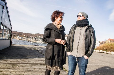 Sier klart ifra: Lilly Skow Røed fra Pakkhuset og Calle Hallengren, daglig leder ved Sanden Café & Bar i Bølgen, mener det vil være en tabbe å innføre de foreslåtte støyreglene, som innebærer at musikken må dempes kraftig etter klokka 23.