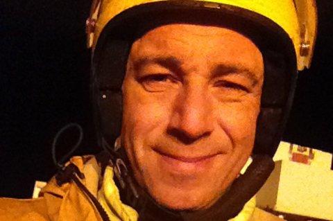 ARTIG Å HA PÅ FILM: Ronald Frantsen filmet i liten storm utenfor Hekkingen i dag.