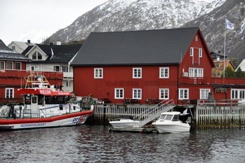 """""""Sundt Flyer"""" ved kai i Svolvær"""