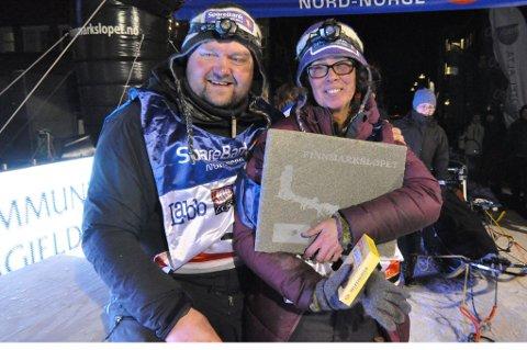 Ørnulf og Jill Jacobsen fra Sørøya kjempet seg rundt halve Finnmark i uvær, overvann og til tider påskestemning.