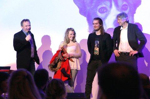 Ole-Johnny Myhrvold fra Team Komplett Fritid fikk prisen for beste handler og ble møtt med stående applaus.
