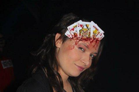 Skummel Halloween Sminke.Romerikes Blad Se Elisabeths Groteske Sminkejobber
