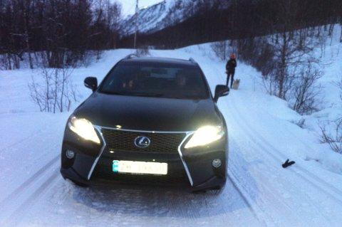 Denne bilen kom kjørende gjennom lysløypa i Tromsdalen.