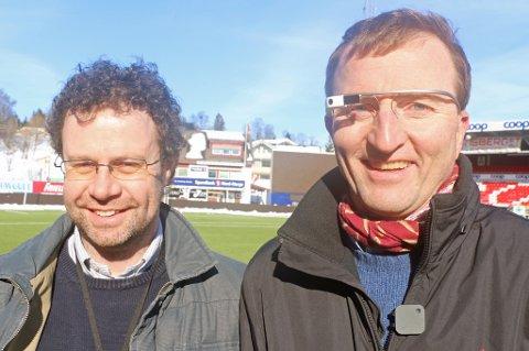FORSKER MED TIL: Informatikkekspertene Cathal Gurrin (t.v) og professor Dag Johansen (t.h) bruker TIL i sin forskning. Foto: Torje Dønnestad Johansen
