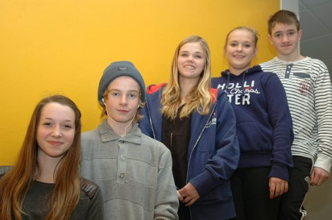 Deltakerne fra klasse 9A på Kirkelund skole i Skiptvet. Fra venstre: Annveig Foss, Sebastian Kaland, Andrine Berli, Marthe Dahl og Ludvig Anthony Engebretsen.
