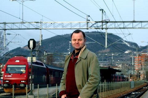 Stortingspresident Olemic Thommessen pendler mellom Oslo og hjemmet sitt i Lillehammer.