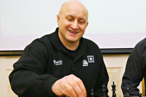Ulf Hansen har trukket seg som styremedlem i sjakk-OL med øyeblikkelig virkning.