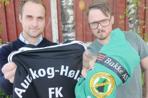 Aurskog-Høland FKs Martin Vestreng (t.v.) og Thomas Lerdahl i Aurskog-Finstadbru SK hater hverandre ? på fotballbanen. Tirsdag er det duket for lokaloppgjør på Høland Stadion og gutta vet å fyre hverandre opp.
