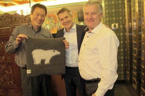 TRAVELS: Ola O.K. Giæver jr. and Kurt Arild Larsen visits Huang Nubo in China.