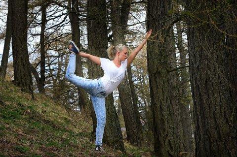 Line Holand er blitt avhengig av daglig yoga- og meditasjonsøvelser for å holde seg frisk.