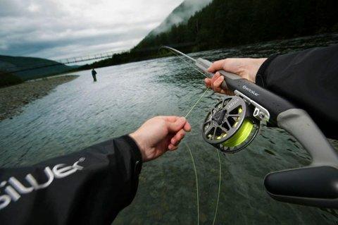 Robert Selfors fra Fauske har utviklet fluefiskestanga ArcticSilver FreeFlex som nå lanseres på verdensmarkedet.