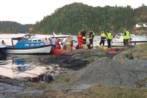 Den skadde ble flyttet fra ulykkesstedet til landingssted for helikopter.