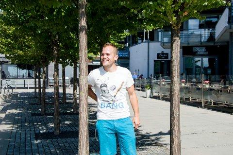 debuterer som forfatter: Peter Kihlman fra Larvik er mannen bak bloggen Pappahjerte, som er en av Norges mest leste foreldreblogger. Nå debuterer han med en selvbiografisk bok med fokus på rollen som småbarnsfar. foto: vårin alme