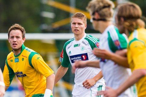 FORSTERKNING. Tore Andreas Gundersen (t.h.) blir en forsterkning for Ull/Kisa i høstsesongen. Her i kamp med Kristian Flittie Onstad nettopp mot Kisa i 2012. FOTO: NTB-SCANPIX