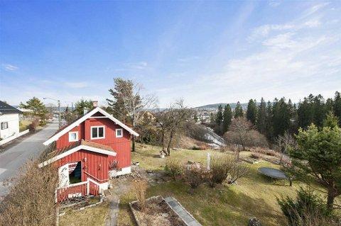 Prisantydningen for dette huset er 11,3 millioner kroner! Men det er tomta som trekker opp verdien.