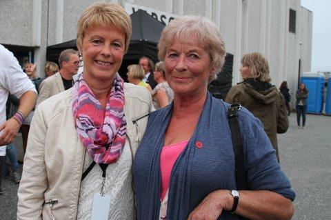 FANTASTISK: Inger Johanne Eriksen og Gulla Jørgensen lette etter ord som kunne beskrive hva de satt igjen med etter åpningskonserten.