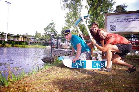 konkurrenter: Arrangørene Geir Atle Teigen fra DNB (f.v.) og Øyvind Bakke og Morten Hødal i Folkeparkens venner gleder seg til konkurransen 16. august.