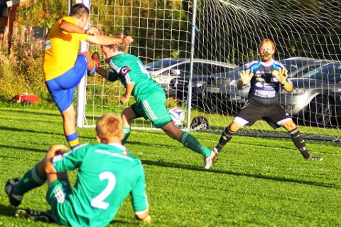 Øyvind Sægrov senket gamleklubben AFSK da Rømskog/Setskog slo de grønne 5-0 på Setskog i går.