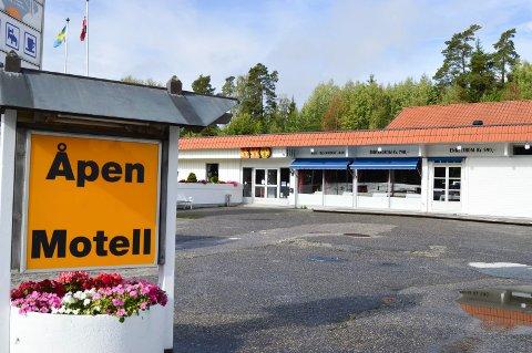 MOTELLDRIFT IGJEN: Den nye eieren, Shaid Aslam, håper at motellet på Norgesporten kan åpne ganske snart. En del av rommene på motellet er utleid, selv om det ikke er ordinær drift ennå.