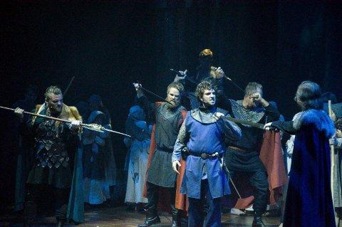 Dramatisk: Håkon Håkonsson, her spilt av Anders Gjønnes, var en konge med mange fiender.