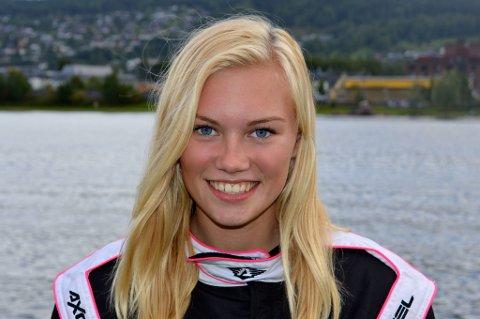 Victoria Larsen har gitt full gass i sin aller første sesong som Fomel4-fører, og det har gitt resultater! Tvedestrandsjenta har vunnet både Norgesmesterskapet og Norgescupen!