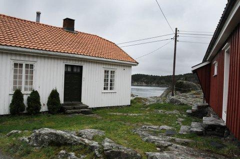 Riksantikvaren har fredet denne tollbua på Borøy.