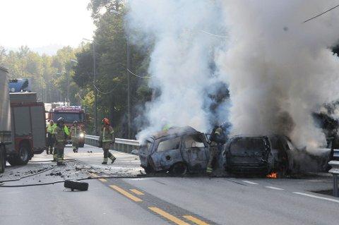 Dramatisk: En person omkom i den alvorlige trafikkulykken ved Songe øst for Tvedestrand.
