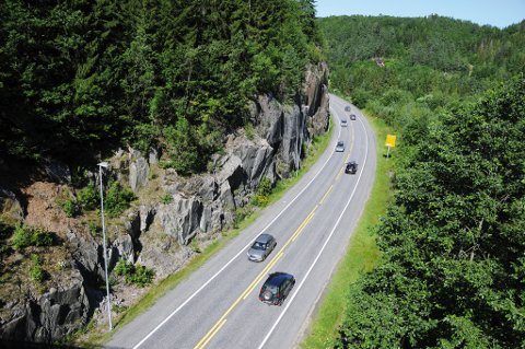 Et dødt rådyr lå i veibanen mellom Rømyr og Lunde. (Arkivfoto)