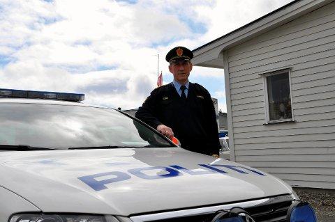 Lensmann Asbjørn Sjølie bekrefter at de har gjennomført en rassia mot et narkomiljø i Vestvågøy og beslaglag flere hundre brukerdoser med amfetamin.